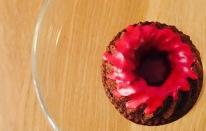 schrille Mini-Rotwein-Guglhupfe